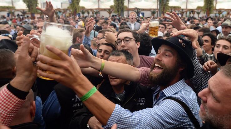 Piwo poleje się strumieniami. Rozpoczął się Oktoberfest