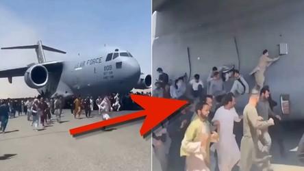 Ludzie próbują wdrapać się na startujące samoloty na lotnisku w Kabulu [WIDEO]