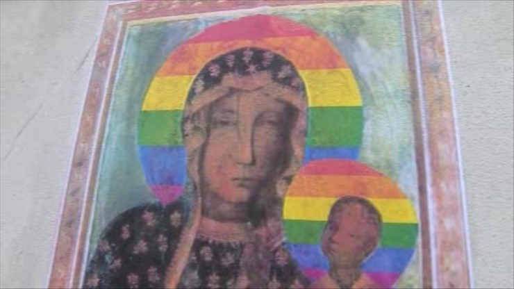 Naklejki z tęczową Matką Boską. Aktywistki uniewinnione