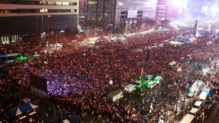 Półtora miliona demonstrantów. Chcą ustąpienia prezydent Korei Płd.