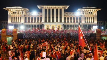 """Niemieckie media: rząd uważa Turcję za """"centralną platformę"""" dla islamistów"""