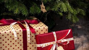Mniej osób dostanie prezenty, rzadziej będziemy wyjeżdżać. Ile Polacy wydadzą na święta?