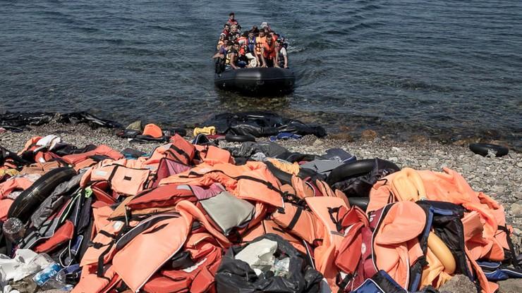 """""""Do września kraje UE powinny relokować 26 tys. uchodźców"""". Apel komisarza UE"""