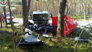 Samochód zderzył się z cysterną. Nie żyją trzy osoby