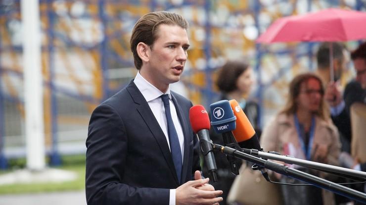 """""""Zielone paszporty"""" dla zaszczepionych w całej UE? Apeluje o to kanclerz Austrii"""