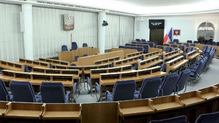Senacka komisja za dalszymi pracami nad petycją ws. zmian w ustawie dezubekizacyjnej
