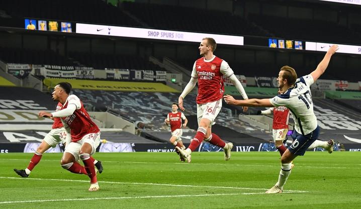 Premier League: Tottenham pokonał Arsenal w derbach Londynu i jest liderem