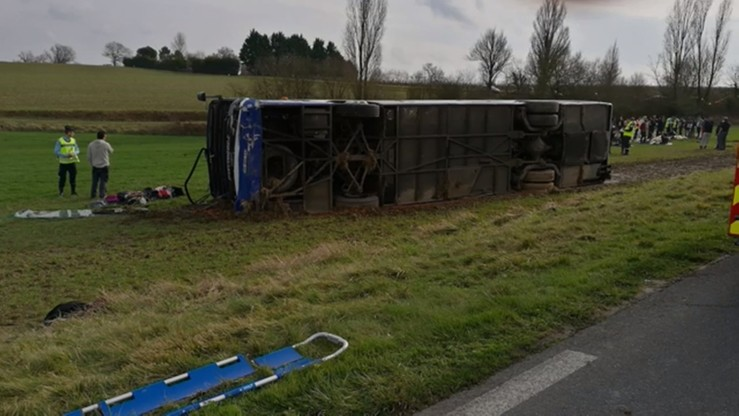 Wypadek szkolnego autobusu we Francji. Jest wielu rannych