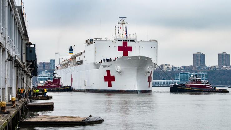 Pacjenci z koronawirusem omyłkowo trafili na statek-szpital USNS Comfort