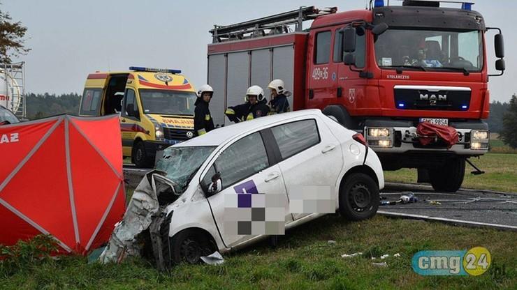Czołowe zderzenie ciężarówki z samochodem nauki jazdy. Instruktor zginął na miejscu