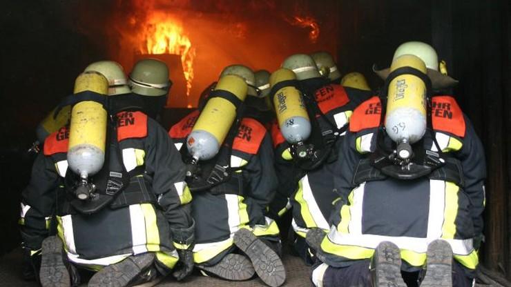 Cztery osoby zginęły w pożarze wielopiętrowego budynku w Niemczech