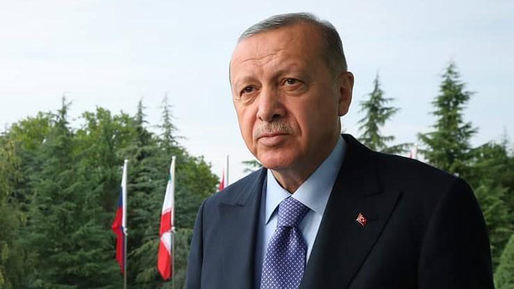 Turcja rozpoczęła ofensywę przeciwko syryjskim siłom