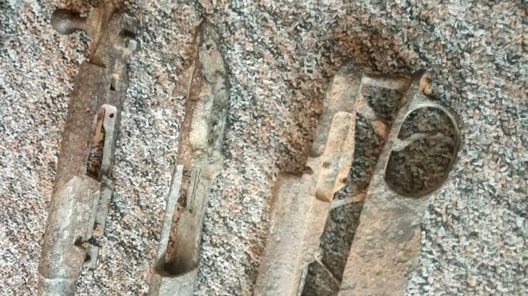 Karabiny z czasów II wojny światowej odnaleziono na strychu szkoły
