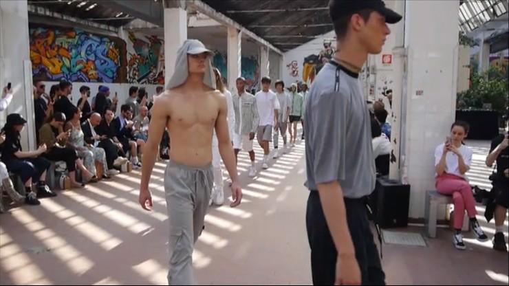 Sneakersy i garnitury. Trendy w modzie na 2020 rok