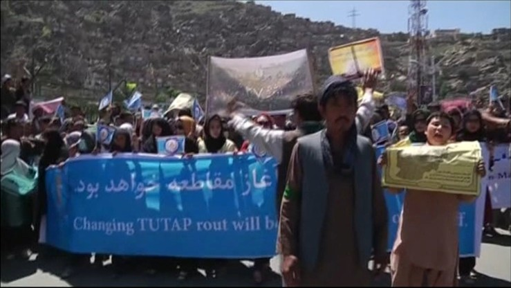 Protest dziesiątek tysięcy Hazarów na ulicach Kabulu