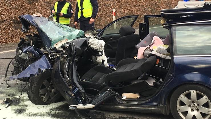 Tragiczny wypadek w Kościerzynie. Zginęło niemowlę, pięć osób zostało rannych