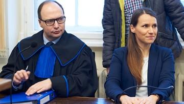 """""""Na łyso! Na łyso!"""". Sympatycy radnej PiS w sądzie do posłanki PO"""