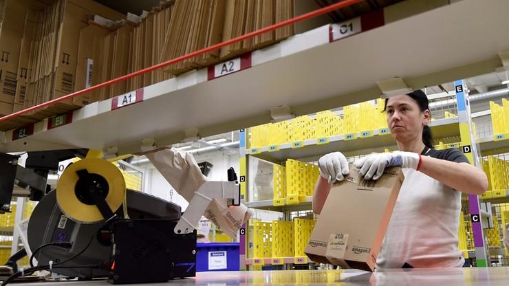 """""""Der Spiegel"""": Amazon zmusza do wysyłania towarów przez Polskę"""
