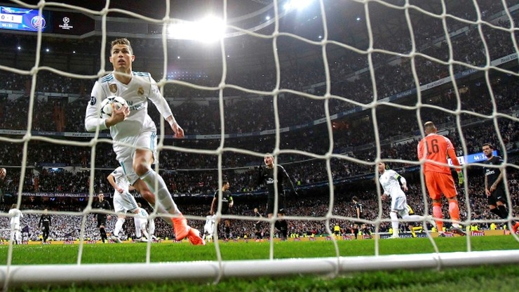 Ronaldo uderzył z karnego... z woleja? Stara sztuczka Portugalczyka