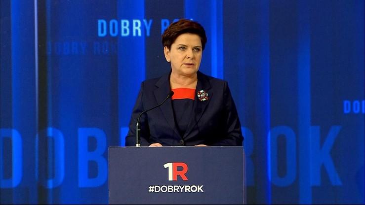 """""""Rodzina, rozwój, bezpieczeństwo - to trzy filary naszego programu"""". Premier ocenia 12 miesięcy rządów"""