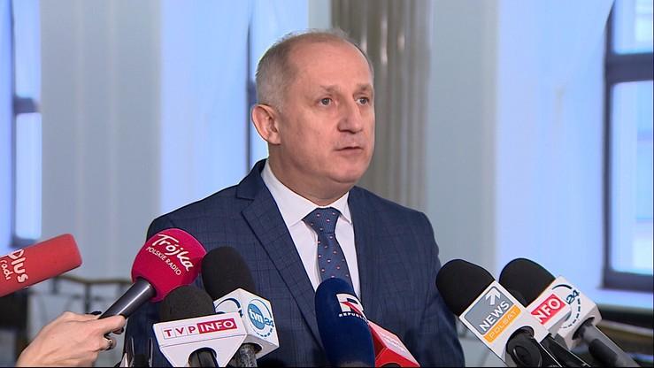 Neumann: trwa konkurs na najgłupsze wytłumaczenie olbrzymich pensji asystentek prezesa NBP