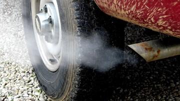 Smogowy szlaban dla samochodów. Posłowie szykują nowe przepisy
