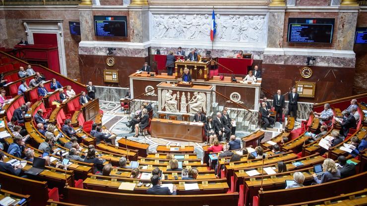 Francuski parlament przyjął projekt reformy rynku pracy