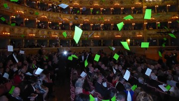 """""""Wenecja chce żyć. Dosyć hoteli!"""" - protest widzów w teatrze"""