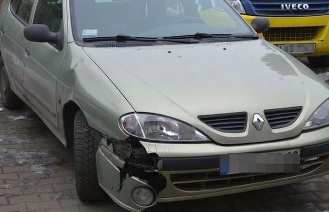 Renault rozbite przez pijaną 38-latkę w Krasnymstawie