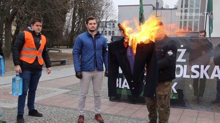 Spalenie kukły z podobizną Petru. Prokuratura sprawdza, czy są podstawy do śledztwa