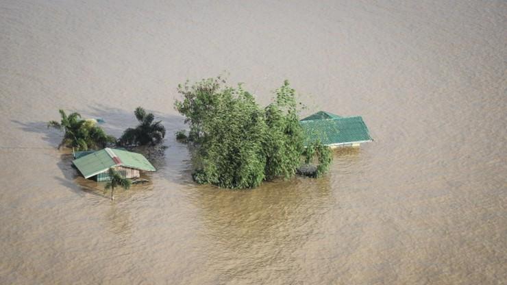 67 ofiar śmiertelnych cyklonu na Filipinach