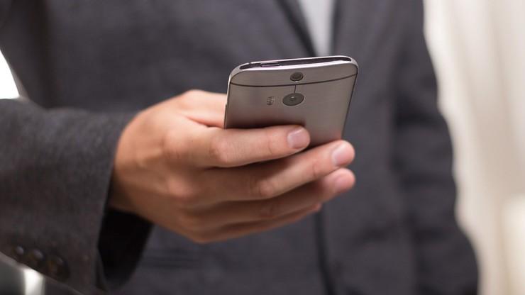 Google ostrzegło przed podejrzanymi SMS-ami. Potem przyznało, że są... zgodne z regulaminem