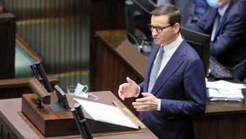 Rząd gotowy na nowelizację konstytucji. Miałoby to utrudnić wyjście z UE