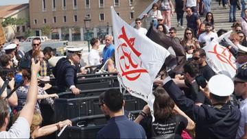 Wenecja ograniczyła ruch turystów. Napięcia przed bramkami