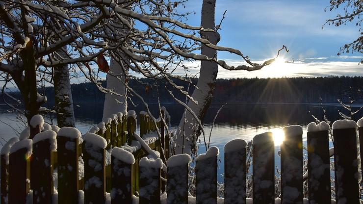 Śnieg i słońce na zachodzie Polski