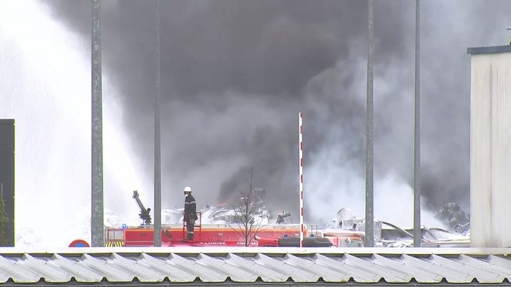 Ugaszono pożar zakładów chemicznych we Francji. Akcja strażaków trwa