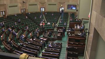 Sejm za wyższymi pensjami parlamentarzystów. Sprawdź, ile będą zarabiać