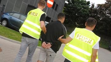 Zatrzymano osiem osób, które napadły na taksówkę w Łodzi