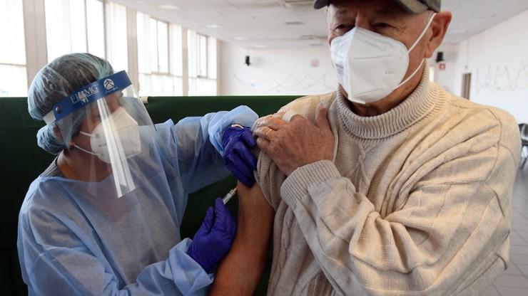 """Szczepionka na koronawirusa. """"Pierwsi Amerykanie mogą ją otrzymać w grudniu"""""""