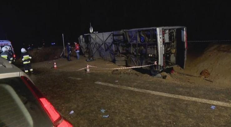 Policja zatrzymała kierowcę autobusu, który spowodował wypadek na S3