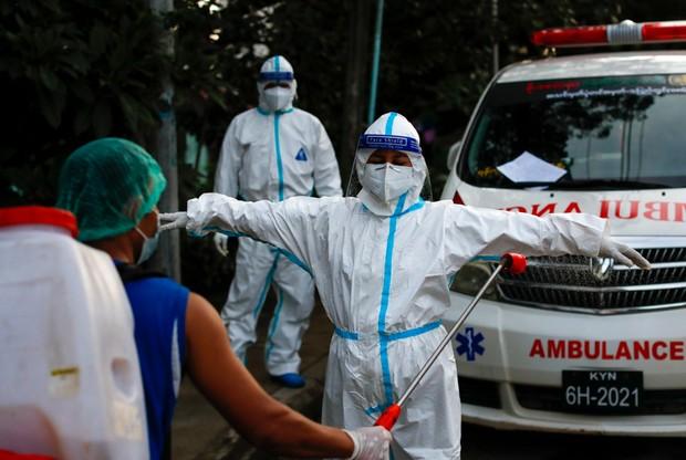 WHO: drugi z rzędu rekord zakażeń koronawirusem na świecie