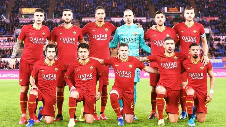 Piłkarze i trenerzy klubu AS Roma zrezygnowali z czterech pensji