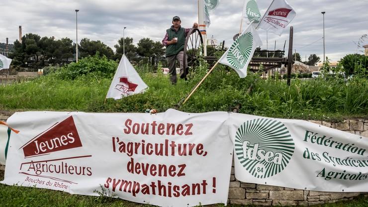 Rolnicy zablokowali dostęp do rafinerii we Francji. Protestują przeciwko stosowaniu oleju palmowego