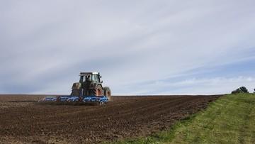 Rolnicy mogą nie otrzymać dopłat w terminie. Polsce grożą kary