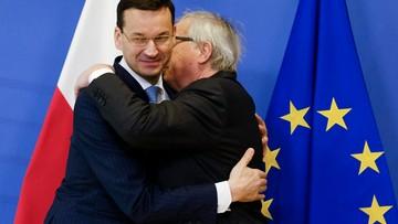 """16 x """"Fałsz"""", 1 x """"Prawda"""" w """"białej księdze"""" o sądownictwie, którą Morawiecki przekazał Junckerowi"""