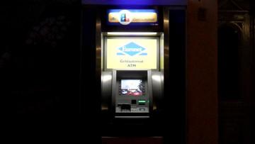 Wysokie prowizje przy wypłacie z bankomatów Euronet dla użytkowników kart Revolut i Curve