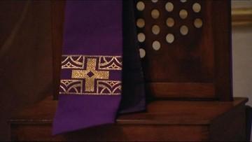 Dwaj księża i dyrektor Caritas w Ełku zawieszeni. W tle seksskandal w diecezji