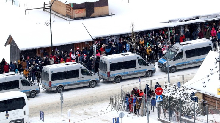 PŚ w Zakopanem: Posypały się mandaty! Kibice gromadzili się w okolicach Wielkiej Krokwi