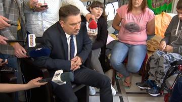 """Szef """"Solidarności"""" spotkał się z protestującymi w Sejmie. """"Popiera nas, wspiera"""""""
