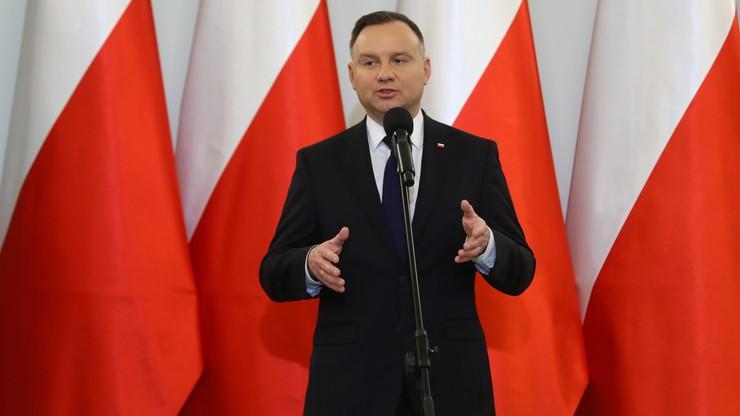 Prezydent Duda w drugiej turze wyborów przegrywa z Kosiniakiem-Kamyszem. Sondaż